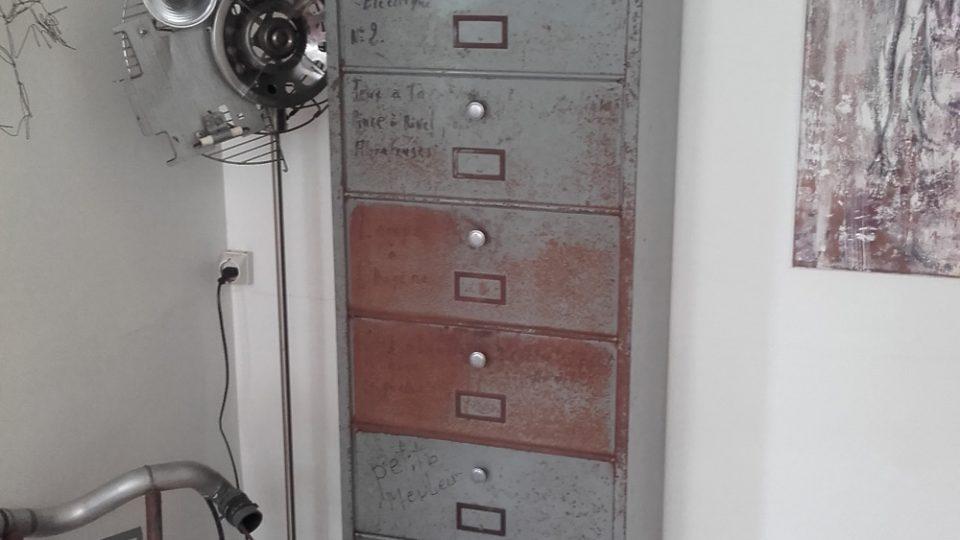 Comment restaurer un casier metallique à clapet